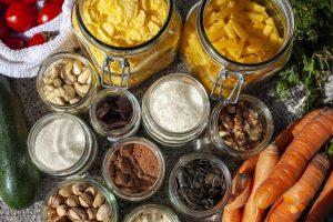 איך לצמצם פחת מזון במטבח? ואיך זה עוזר לחסוך אלפי שקלים בחודש?